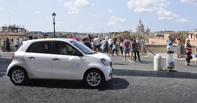 Free-flowing car sharing: partnership with car2go and Tor Vergata