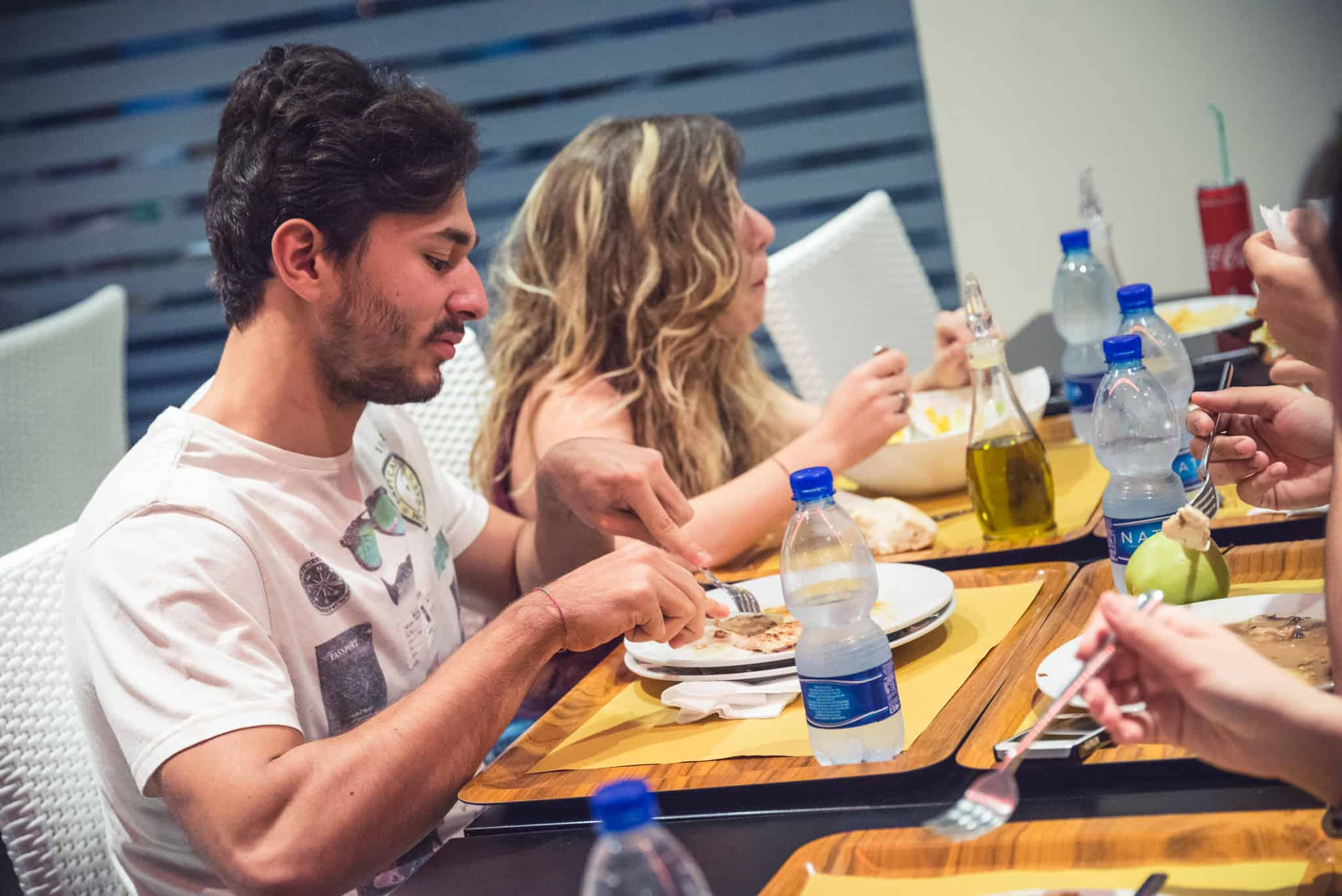 Italian university students: how healthy do they eat?